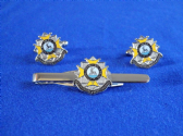 BEDFORDSHIRE & HERTFORDSHIRE REGIMENT CUFF LINK AND TIE GRIP / CLIP SET